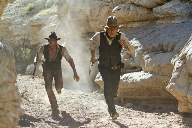 Cowboys & Aliens (2011) photos, including production stills, premiere photos and other event photos, publicity photos, behind-the-scenes, and more.