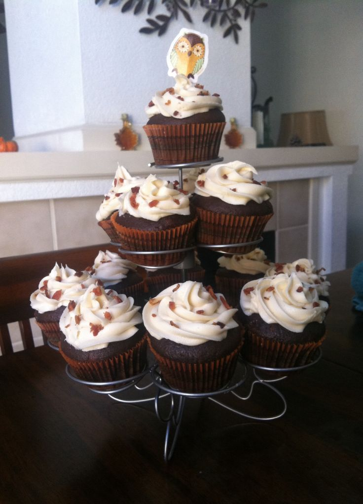Happy Thanksgiving :) Chocolate Bacon Cupcakes With Maple Frosting!! Yum
