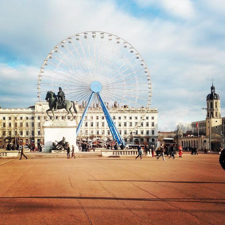 La magnifique place #Bellecour de #Lyon ! #granderoue #place