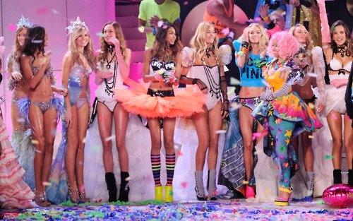 #pink #planet #fashion #show