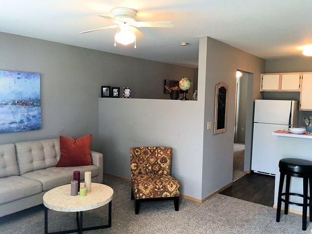 Eagle Ridge Apartments, Lawrence, KS - Student / Family Friendly