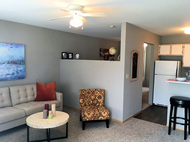Eagle Ridge Apartments, Lawrence, KS - Student / Family Friendly