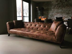 Chesterfield Capetown bank in stoer vintage of africa leder met knopen