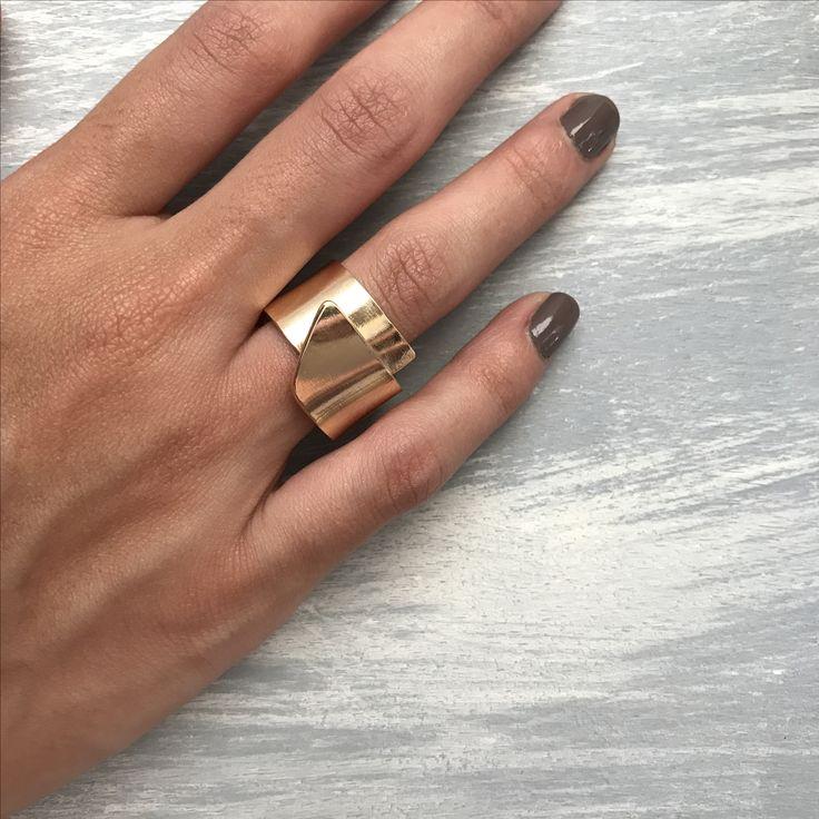 Joyeria artesanal, diseño colombiano, anillo #detalles #sencillo #platadeley #unakitajoyeria #unakita #bañodeoro #jewellery #jewellerydesign #jewels