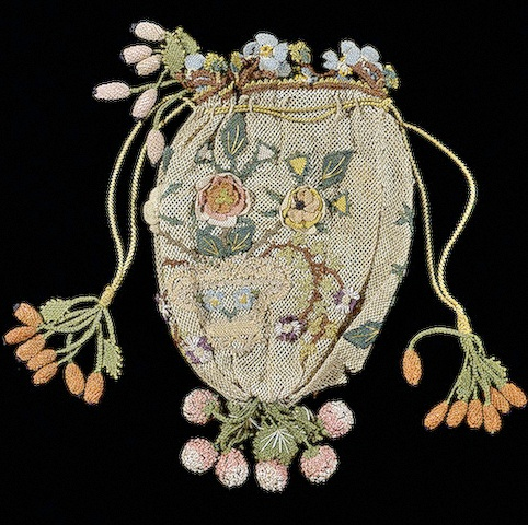 Purse, Western Europe. 18th century  Silk net (ground), silk threads; embroidery and applied pattern.10x8 cm. (c) State Heritage Museum