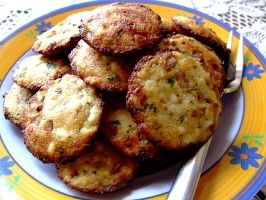 Savoury Ricotta Patties... I would like to try frying these in a cast iron skillet, for camp outs. They would be great with eggs!