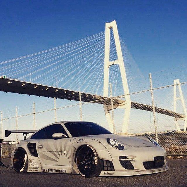 Liberty Walk Porsche 911 Turbo