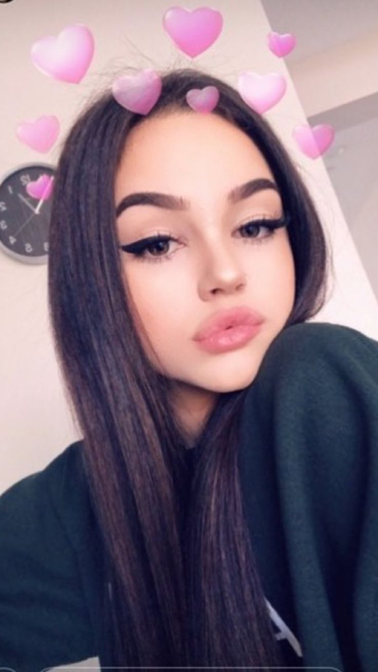 pingl par michelle lvarez sur maggie lindemann pinterest photos de profil jolie femme et. Black Bedroom Furniture Sets. Home Design Ideas