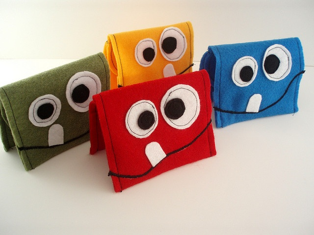 Felt Monster Childrens Wallets by giggling.goldfish, via Flickr