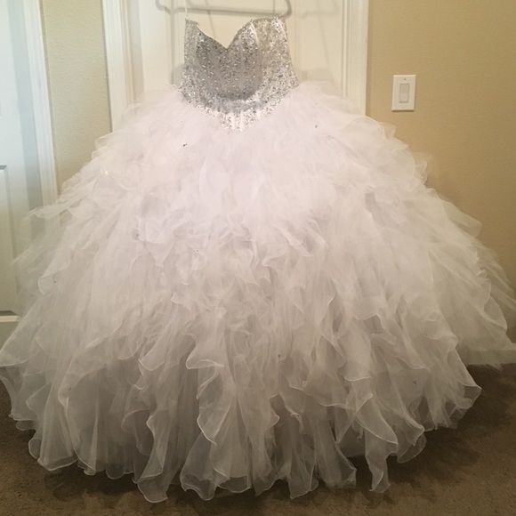 Quince dress Selling my quince dress worn once ! Mori Lee Dresses Strapless