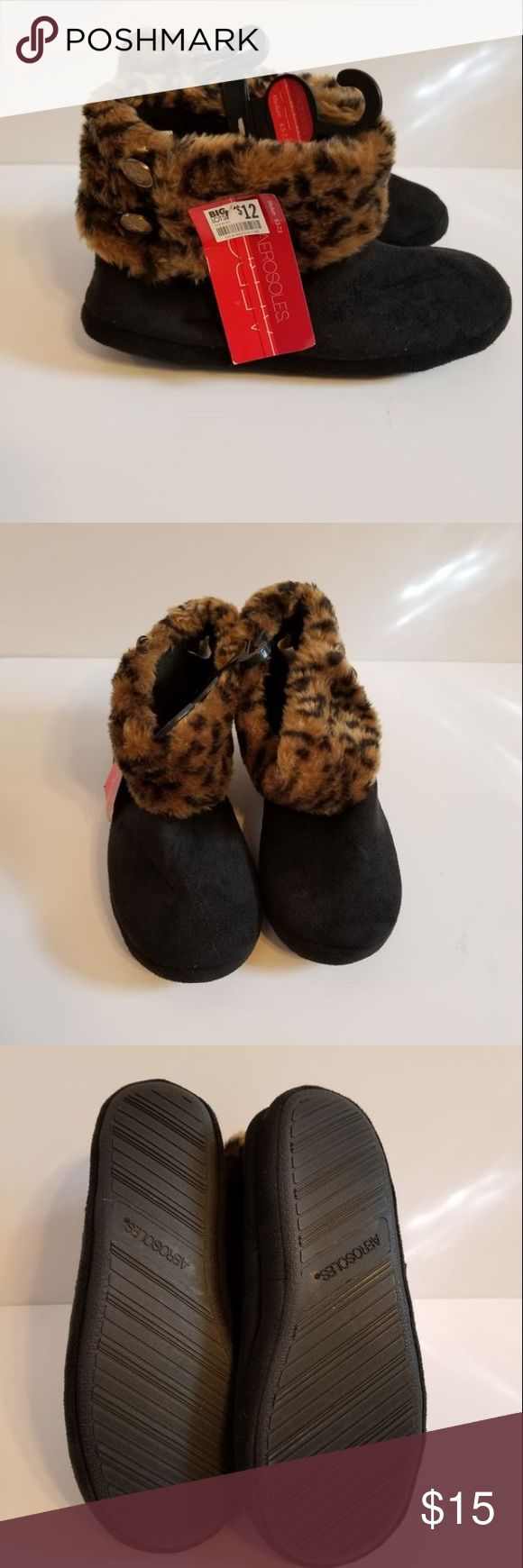 NWT! ❤️ Aerosoles Animal Print House Slippers Here are your comfy house shoes for those cold winter days. These are New with Tags, Size Medium (6.5-7.5). AEROSOLES Shoes Slippers