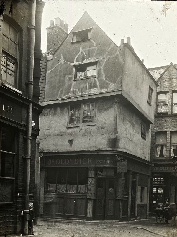 The Lantern Slides of Old London - The Old Dick Whittington, Clothfair, Smithfield