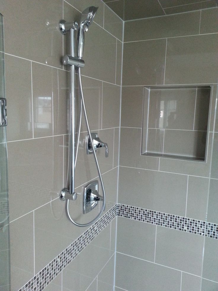 This Glass Shower Features A Polished 12 Quot X 24 Quot Glossy