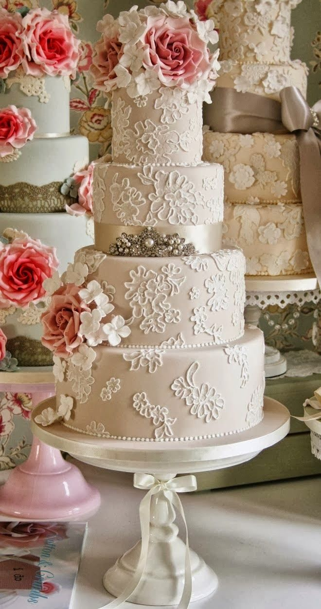 Love the look of lace? Add it to your #weddingcake!Lace Weddings, Ideas, Cake Design, Vintage Wedding Cake, Lace Cake, Wedding Cakes, Lace Wedding Cake, Lace Flower, Weddingcake