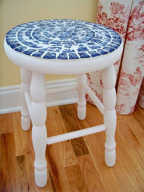 blue transferware mosaic stool makeover (by Penny at Flea Market Makeovers)