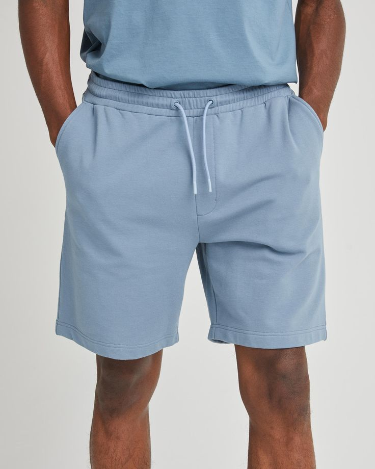 """Classic Fit Unique stretch, mini loopback French Terry Fabric is super drapey, lightweight, and moisture-wicking Slant side pockets Adjustable covered elastic waistband Dipped end drawcords Size Medium has a 7 1/2"""" inseam Skin Makeup, French Terry, Pockets, Classic, Fit, Spandex, Cold, Fabric, How To Wear"""