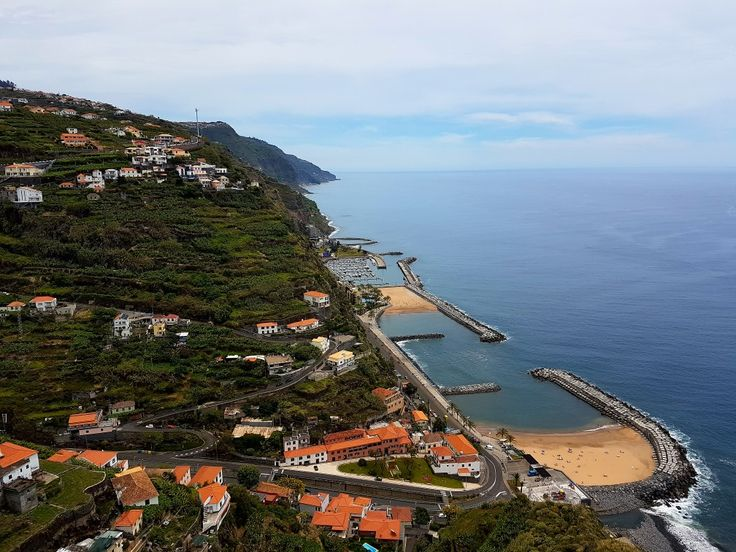 Cá na Ilha... #calheta #casadasmudas #estreladacalheta  #praia #beach #wanderlust #travel #sonhosvividos #wonderfuldreams #visitmadeira #madeira #visitmadeira  #acontecemadeira