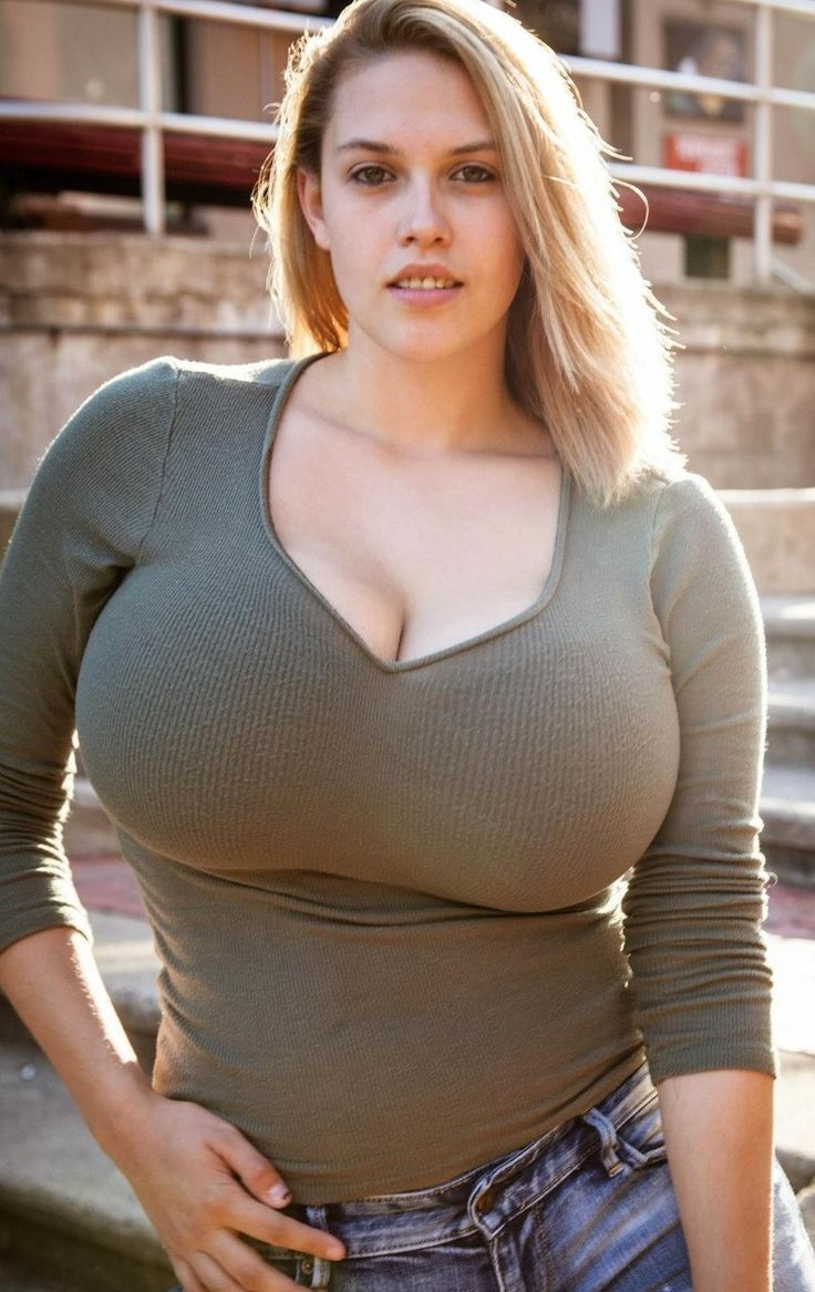 Sexy Women With Large Breasts 75