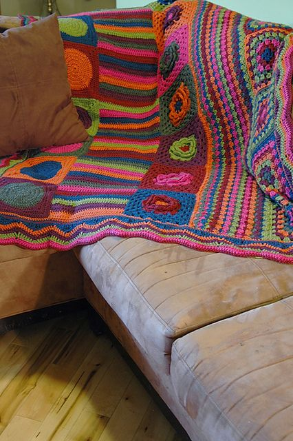 I need to start crocheting again!  This is awesome!
