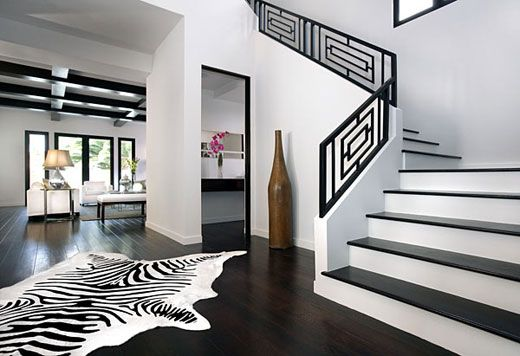 Use The Railing Design For The Bottom Wainscoting White