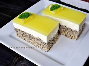 Ľahučký, svieži, veľmi jemný a vláčny koláčik s úžasnou nezameniteľnou makovo-citrónovou kombináciou, ktorá nikdy nesklame. Jednoduch...