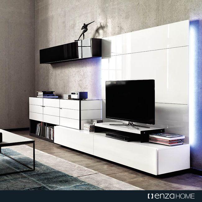 İtalyan mobilya anlayışının izlerini taşıyan #Crystal özel koleksiyonu, akrilik panel ve cam kullanımı ile daha parlak ve modern bir anlayışı evlere getiriyor.