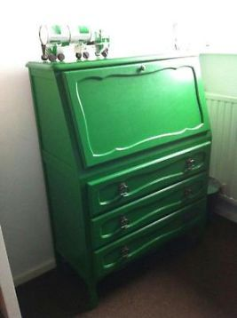Leuk oud groen bureau !!!