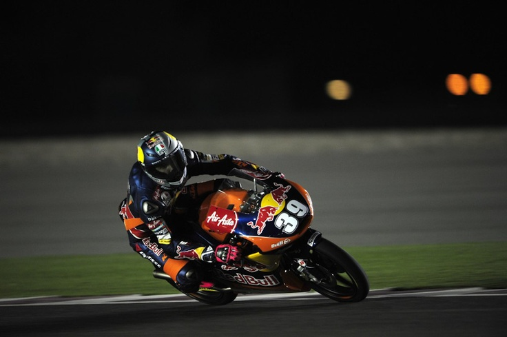 Luis Salom ha dado un martillazo en la última vuelta del Gran Premio de Qatar 2013 en Moto3.