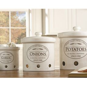 Fresh Valley Canisters to help keep garlic, onions, & potatoes fresh longer. Simple and classy.Onions, Valley Canisters, Garlic, Kitchens Stuff, Chefs Fresh, Potatoes, Food Storage, Fresh Valley, Kitchens Storage