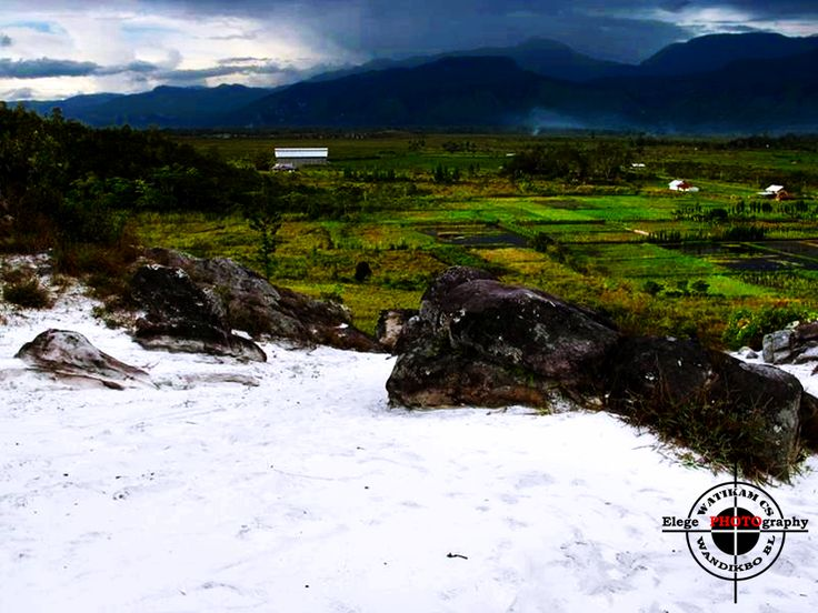 Pasir Putih Wamena, Papua.