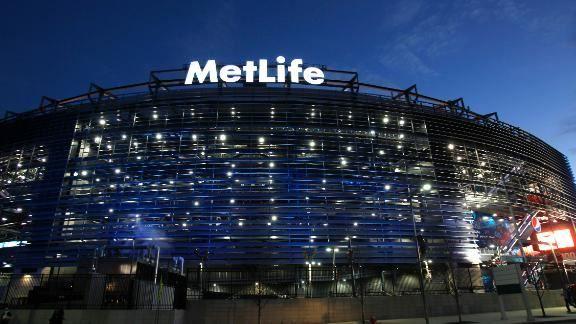 No tailgating parties at Super Bowl stadium