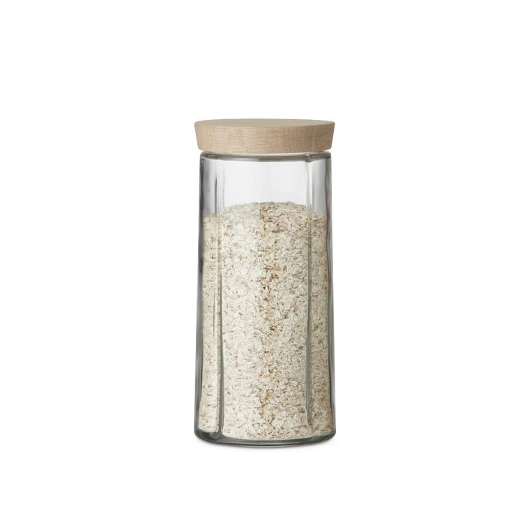 Scandi Interiors - Store your dry foodstuffs attractively with Grand Cru Storage jars from Rosendahl. These simple glass jars come with a pretty, natural lid made of untreated oak. The combination of glass and wood makes the functional storage jars a practical way of bringing one of the really huge contemporary interior design trends into your home. This large jar (1.5 l) is the largest of five sizes in the Nordic-inspired range.