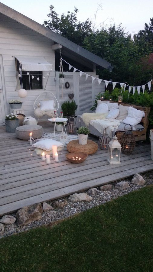 Sommernight auf der Terrasse.