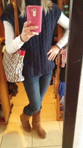 Today :  jeans H&M, sweater Benetton, poncho Benetton , boots Westies, handbag Tommy