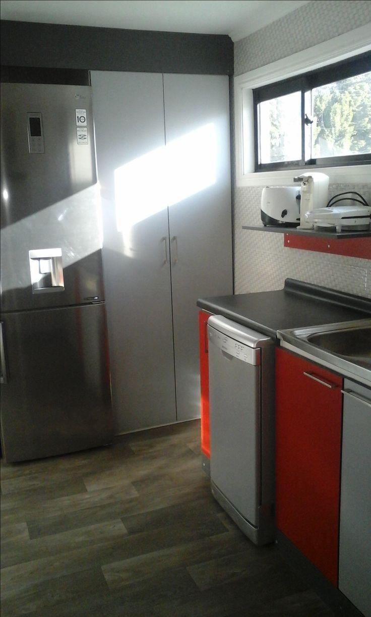 Mejores 7 imágenes de Muebles de Cocina Tonos Rojo Gris Grafito y ...