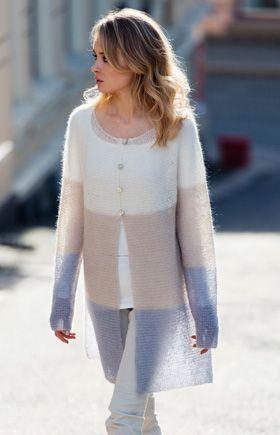 Gratis strikkeopskrifter: Strik en smuk jakke med blide farveskift fra råhvid til beige og lysegrå. Jakken er dejlig let, men alligevel lun. Perfekt til danske sommeraftener.