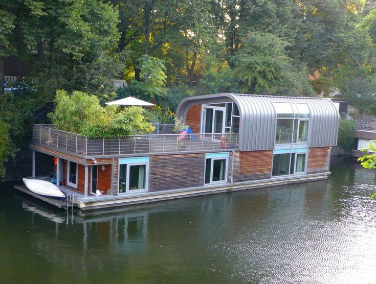 Really fantastic houseboats