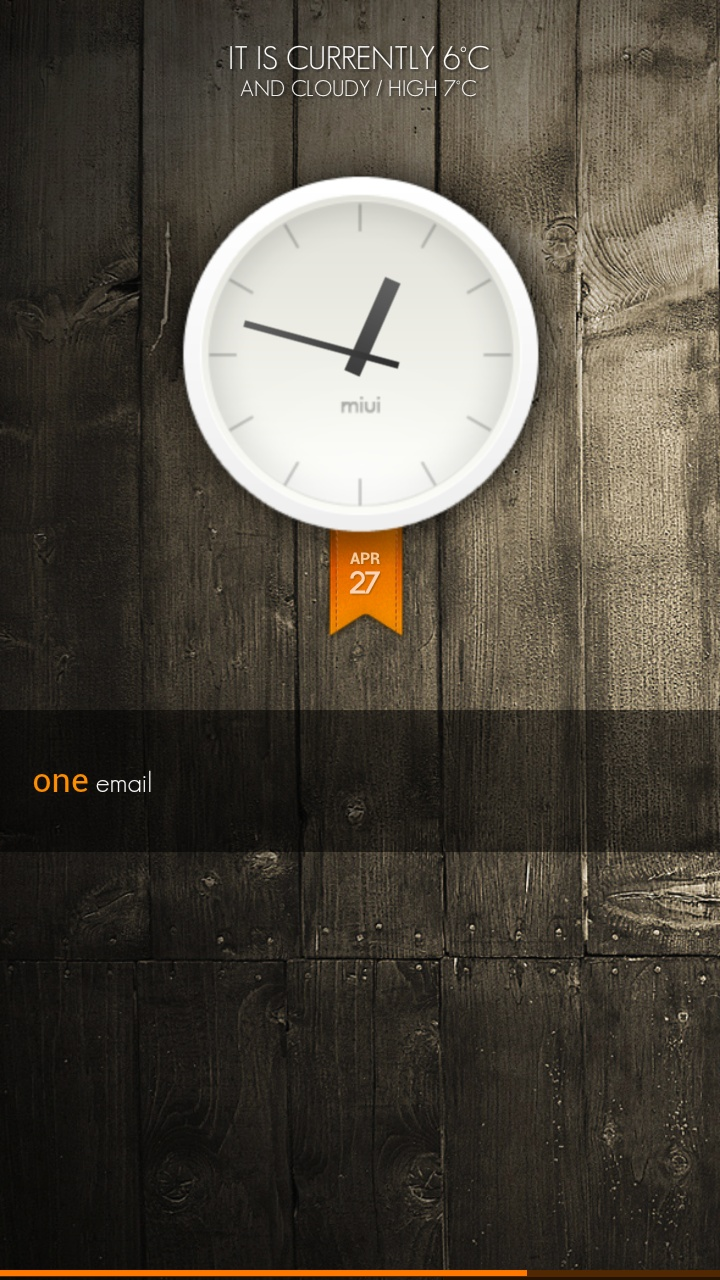 "I just discover this Amazing android Homescreen ""Orange Wood"" on MyColorscreen.com"