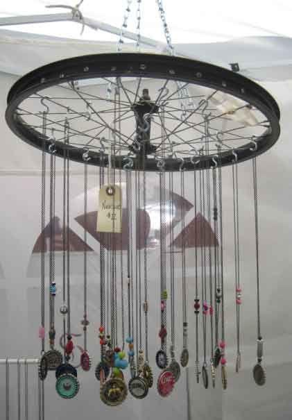 Google Image Result for http://3.bp.blogspot.com/_64xRvAnq2mY/TLyi7p9mlnI/AAAAAAAAAUA/10_E33NbEX0/s1600/JG6Norcross-Art-Festival-01.jpg