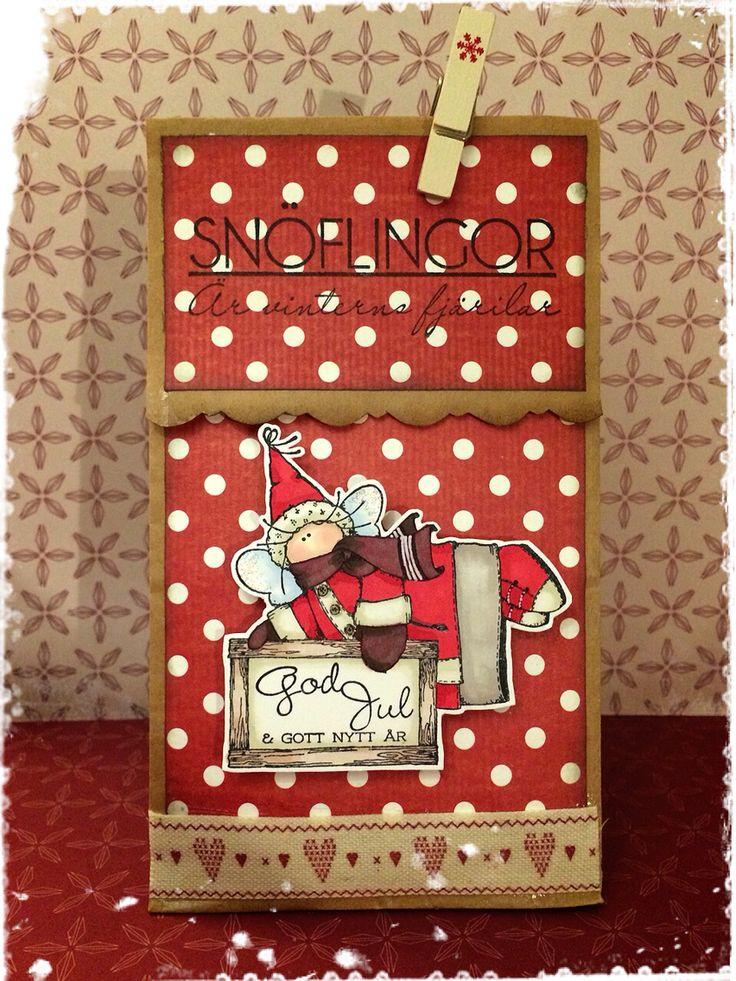 En julig godispåse http://blog.pysseldags.com/2014/12/onskar-god-jul-med-en-liten-godispase.html