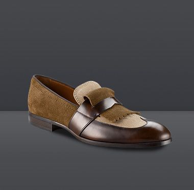 Radnor is a sleek yet fun take on the classic loafer, finished in textured suede and shiny calf leather.