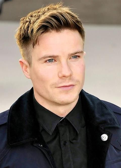 Joe Dempsie ...excellent hair cut.  He reminds me of Gary Oldman.