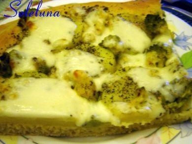 PIZZA IN BIANCO PATATE E BROCCOLI | ...:::STEGNAT DE POLENTA:::...