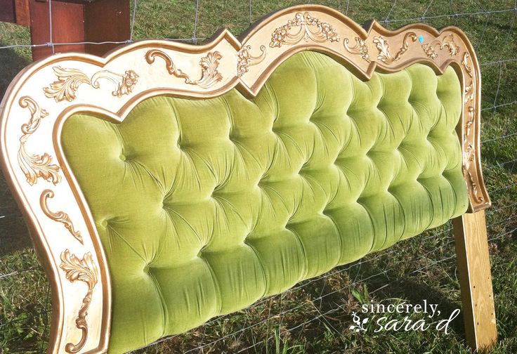 I found a beautiful headboard at a flea market. I loved it, but it needed some updating - and the tufted fabric had a smell to it. I couldn't have my guests sle…