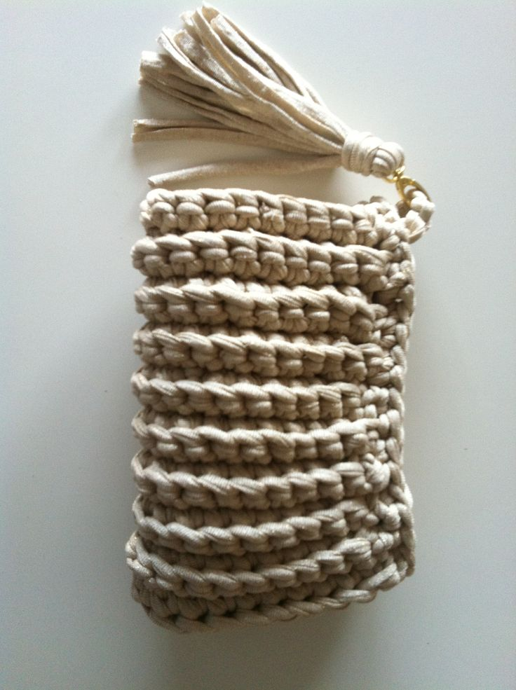 Buy Yarn To DIY http://www.aliexpress.com/store/1687168 Bolso de trapillo