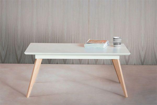 Mesa de centro de inspiración minimalista con formas sofisticadas