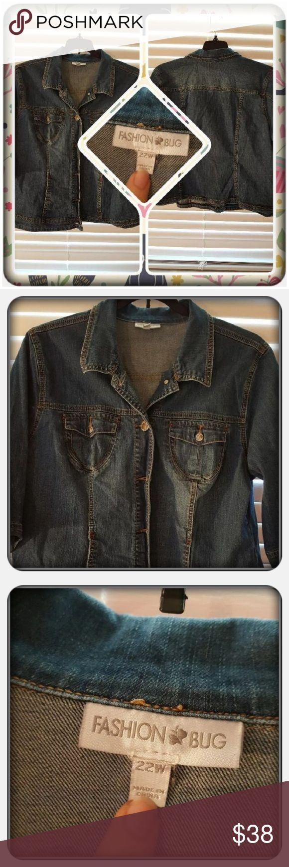 EUC Woman's Denim Jean Jacket Size 22W Woman's Denim Jean Jacket Size 22W From Fashion Bug. This Super Cute Jacket Has Buttons Down The Front And On The Cuffs. I Would Say This Fits Alot Smaller Then What Tag Says More Like A Extra Large Or Large It's Snug On Me. I'm Selling For A Friend 🚫 PAYPAL 🚫 TRADES 🚫 OFFERS PRICE IS FIRM ❤ Fashion Bug Jackets & Coats Jean Jackets
