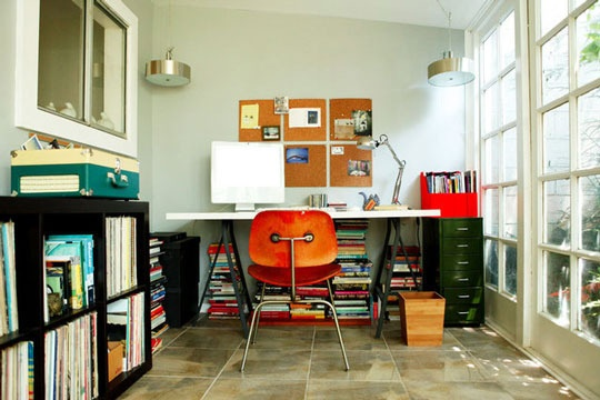 Sleek and modern. Love the books stored UNDER the desk back by the wall. If you have a deep desk, that could definitely work.: Interior, Spaces, Workspace, Desks, Homes, Home Offices