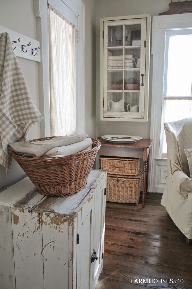 This linen color palette,  paired with the wood floor and baskets, has an almost cinematic effect—like being transported back to a time when life was a touch slower.