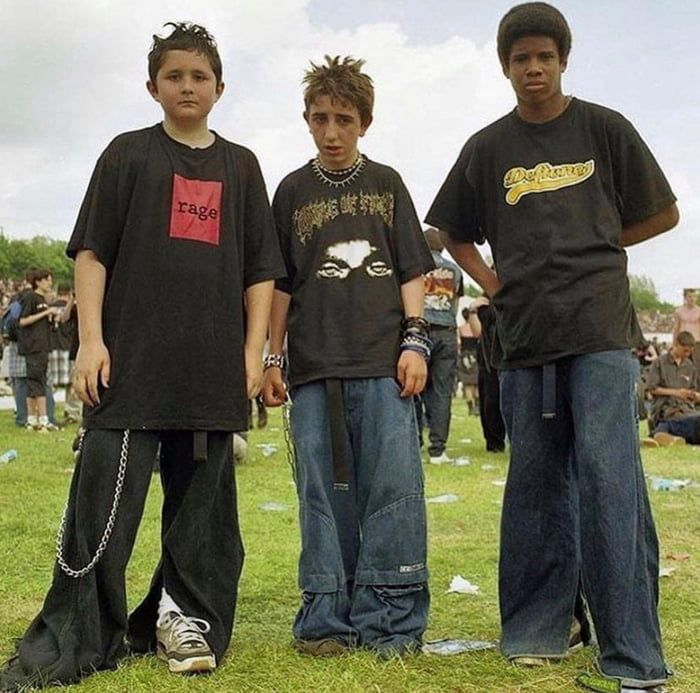 Three Teens Attending A Concert In The Early 2000s 2000s Fashion Men 2000s Fashion Outfits Early 2000s Fashion